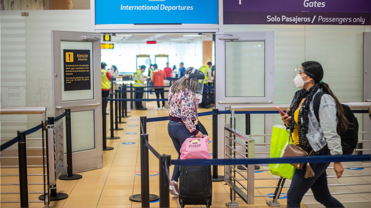 protector facial no es requisito vuelos nacionales e internacionales